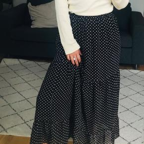 Mega fin nederdel fra Moves, fremstår som ny 🌸