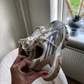 Na-kd sneakers