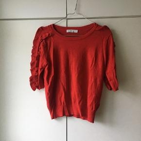 Flot strikbluse/t-shirt fra Zara i rød❤️