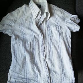 Kortærmet G-star, just the product, skjorte. Str. M. Kan afhentes i Esbjerg, Horsens eller på Nørrebro. Kom med et bud