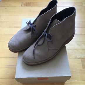 6a486195ac9 Varetype: Dessert boots Farve: Brun Oprindelig købspris: 1000 kr. Prisen  angivet er