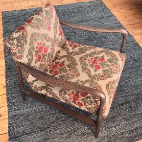 Elegant, håndlavet og unik lænestol i mørk bøgetræ 😍❤️ - Mål: 76D x 66B x 76H cm - Ingen brugsspor/tegn