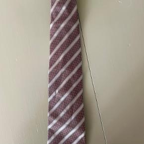 Armani slips