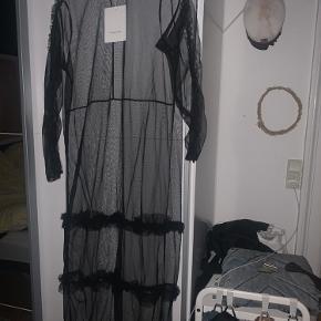 Helt ny Mesh kjole fra Hosbjerg