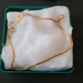 Anni Lu halskæde aldrig brugt. Længde er 60 cm kan  være i 2 længder.