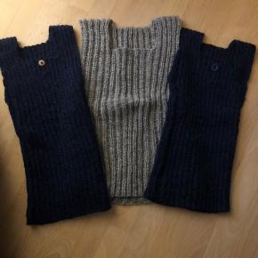 Aldrig brugte Ren uld veste som svigermor har strikket. De blå er merinould og den grå er  Alpacauld. De er lækre bløde og trækbare. Sønnen ønskede bare ikke at have dem på. 175-, for alle 3.