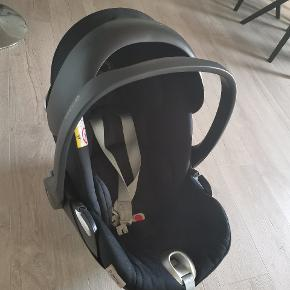 Cybex Cloud Q autostol 0-13 kg Har ikke været ude for ulykke. Har brugsspor, men er i pæn stand og stolen er super til de mindste børn. Stolen kan lægges ned.  Sælges til 550 kr.