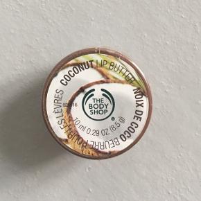 Helt ny og uåbnet læbepomade fra The Body Shop.  Kan afhentes på Amagerbro.
