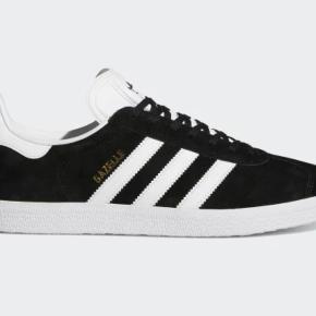 Sorte gazelle Adidas sko i god tilstand, burg kan ses men en vask og det vil se gode som nu ud:)