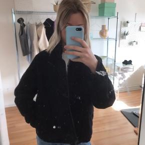 Sød puffer jakke fra Brandy Melville🌿
