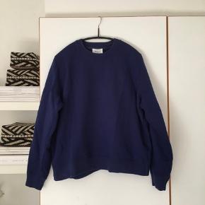 Sælger denne blå sweatshirt fra Wood Wood☺️
