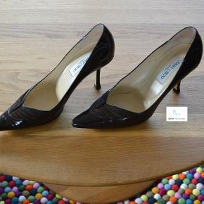 """Hvorfor ikke forkæle dig selv med et par designer sko. Mange fine/dyre mærker sælges til en rigtig god pris.  Tag et kig på alle mine fine sko. Der gives gode aftaler ved køb af flere par.  På venligt gensyn Tina  """"Online Sko Auktion"""""""
