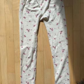 Virkelig fine bukser uden nogen tegn på skader der er lavet af 95% uld:)