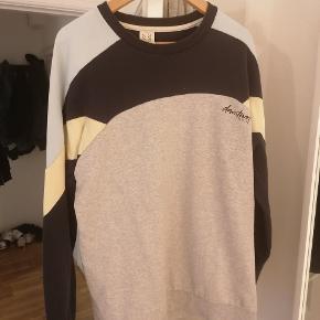Kaotiko sweater