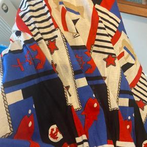 Vintage nederdel med marine tema 🔷🔹 forstår ikke særlig brugt men det er jo vintage 💙