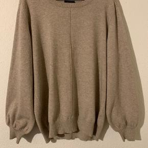 FREE|QUENT sweater