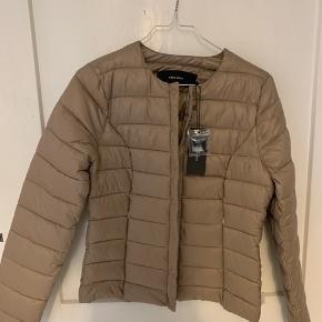 sælger denne jakke. aldrig brugt