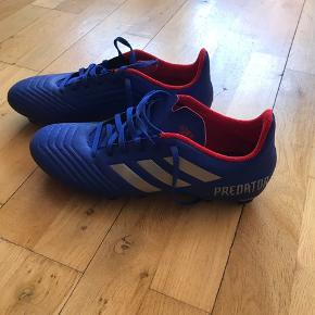 Fodboldstøvler fra Adidas købt i marts. Brugt én gang. Str. 44