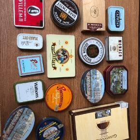 ****ny pris 300,- for dem alle****  En masse forskellige gamle retro cigaret/cigarillos/siger dåser/æsker. Plus en langpibe.  Kan anvendes som organisering af smykker, perler, søm og skruer eller bare som pynt i det moderne retro hjem.   50 kr pr stk, 3 stk for 100 kr   Alle sammen for 500 kr