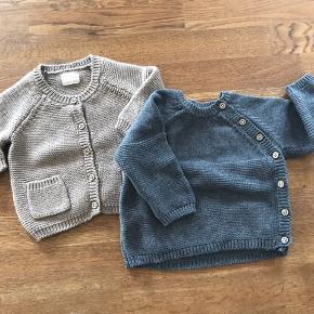Baby strik. Aldrig brugt.  Begge trøjer for 50kr.