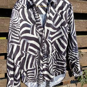 Super lækker Tiger of Sweden skjorte. Næsten ikke brugt.