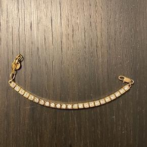Sødt tennisarmbånd  fra Dyrberg Kern i modellen Cone