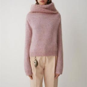 Varetype: Sweater Farve: Rosa Oprindelig købspris: 2400 kr.  Ny med tags  Style Acne Raze mohair  32% mohair, 32% uld og 31% nylon og 9% elastane
