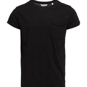 Helt ny t-shirt fra Won Hundred. Style: Laurel Str. XL, stadig original prismærke på 350,-. Økologisk Bomuld.