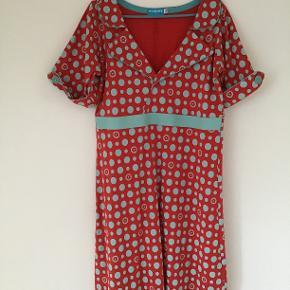 Smuk kjole Brugt 1 gang Æg-æg 51 cm 💙❤️💙❤️