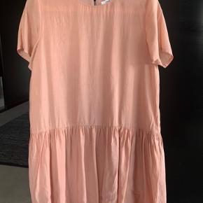 Super fin kjole - brugt 3-4 gange