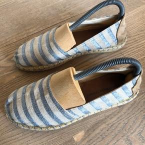 Loafers fra Bella moda med læder sål.