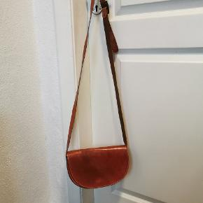 Læder taske i str 15×24×7