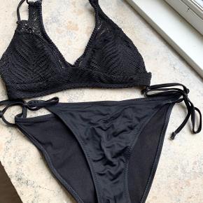 Sort bikini str. 38 🌊 Byd gerne! Sælges helst som et sæt