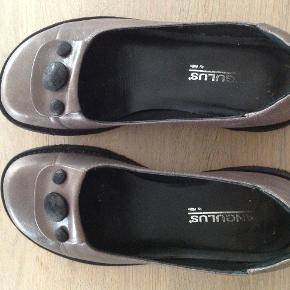 Pragtfulde sko med  super god pasform  Brugt få gange