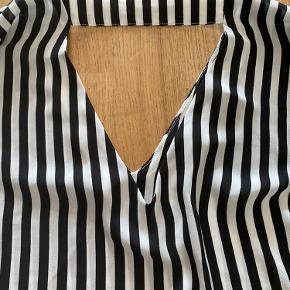 Skjorte bluse  Brugt få gange
