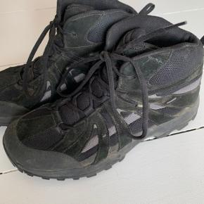 Støvler fra Ecco i str. 41 ☀️  I god stand, men trænger til en vask.