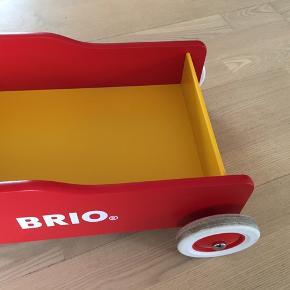 Brio lære-gå-vogn. I fin stand.