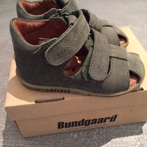 Lækre sandaler i flot army grøn Kun prøvet på hjemme Style Ranjo Nypris 599,-