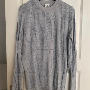 Sns sweater