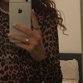 Leopard 'mesh' trøje.  Str. Xs