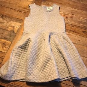 Super fin kjole fra The New. Str 7-8år.