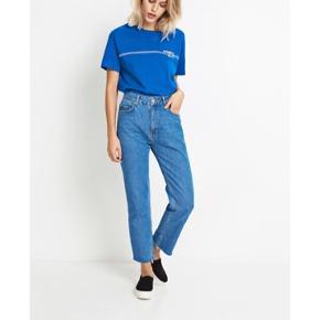 Blå T shirt fra Envii i str S. Den er brugt meget få gange og fejler ingenting. Sælges også i orange rød🌞