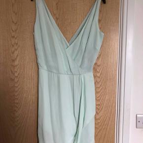 Smuk Tiger of Sweden kjole. Nypris er 1500 kr og den er aldrig brugt - kun provet pa en enkelt gang.