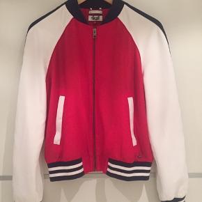 Fin jakke, brugt en gang, aldrig vasket, helt ren og uden pletter