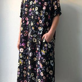 Dawn and Dare kjole