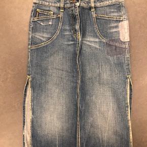 Armani nederdel