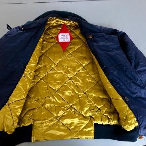 Rare vintage Massimo Osti dutch police jacket in mint condition. Size M-L. Happy to send more images.