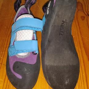 Klatreudstyr, klatresko Evolv climbing shoes size 37. Never used. It feels a bit smaller than 37. Brand new they cost me 800 DKK