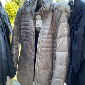 Dolomite frakke