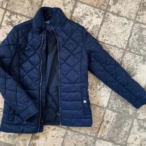 b21f15ed Varetype: Jakke Farve: Blå Oprindelig købspris: 800 kr. Mega lækker  overgangsjakke i